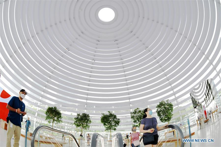 Customers patronise new Apple Marina Bay Sands store in Singapore