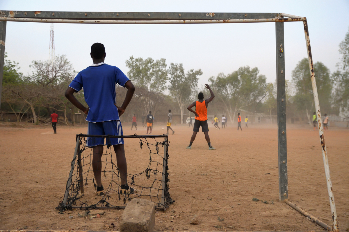 UN urges warring parties in Africa to stop attacking schools