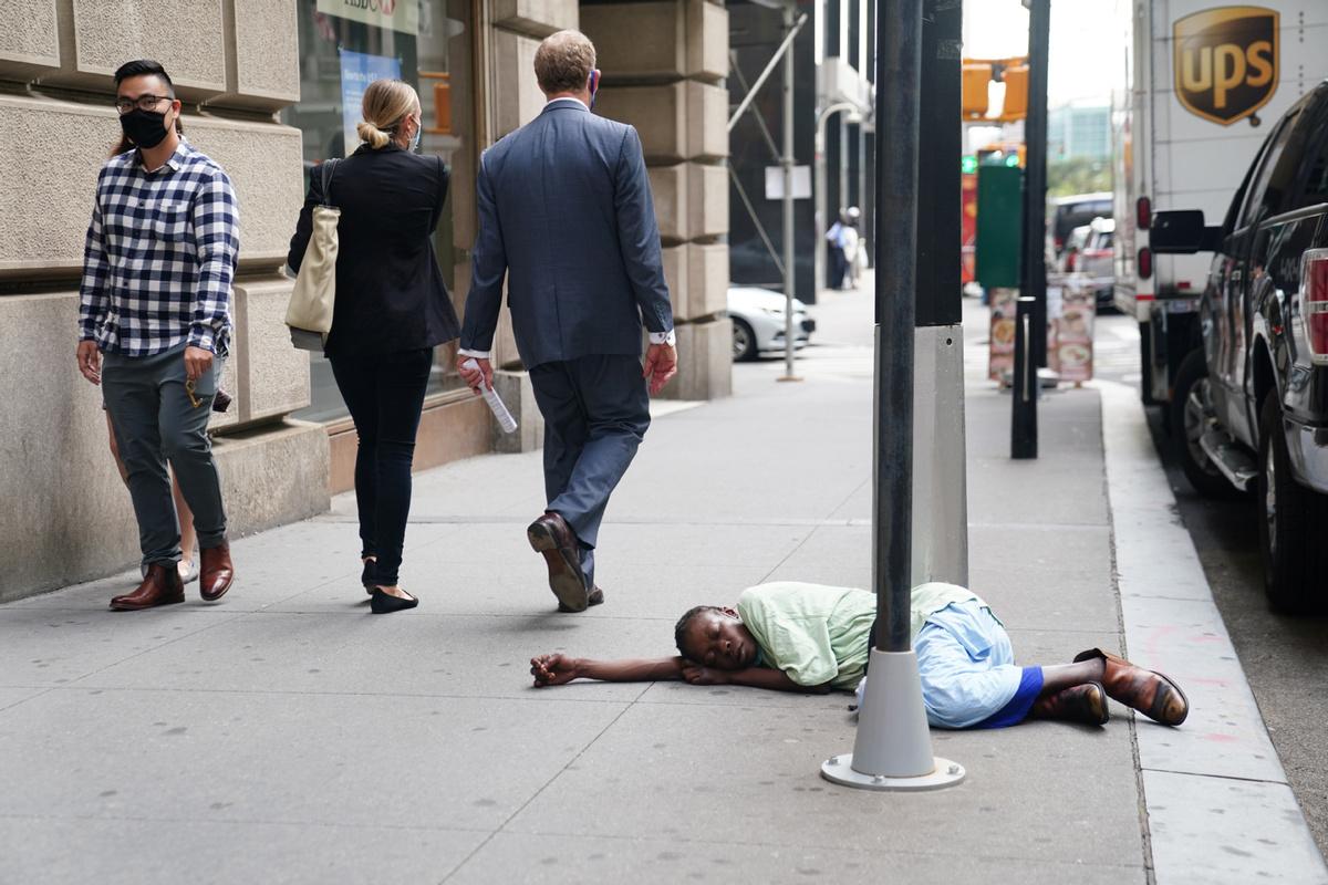 US self-harming making itself a pariah