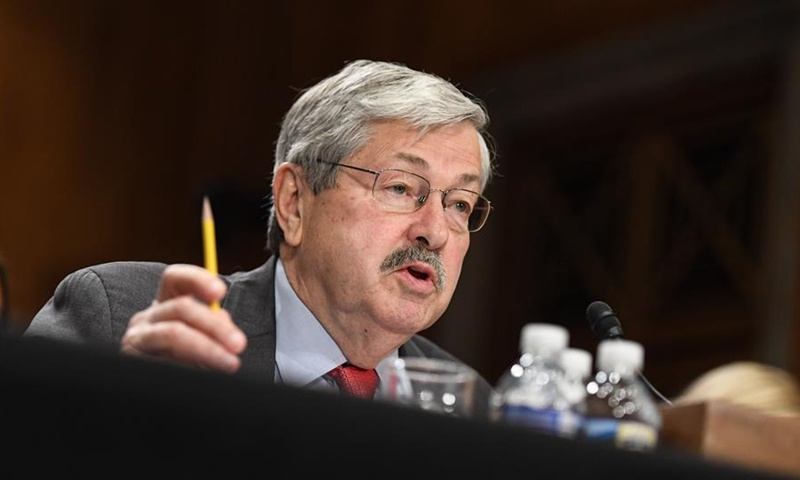 Ambassador Branstad to leave Beijing, fails to soothe strained China-US ties