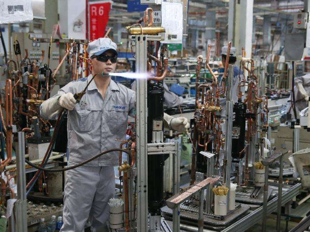 China's manufacturing sector sees rapid recovery