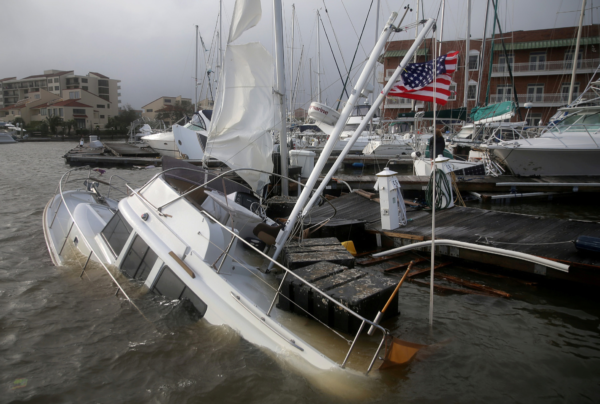 At least 1 dead, hundreds rescued after Hurricane Sally