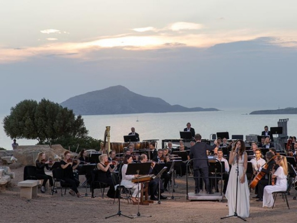 Musical to mark Sino-Greek friendship staged in front of ruins of Temple of Poseidon