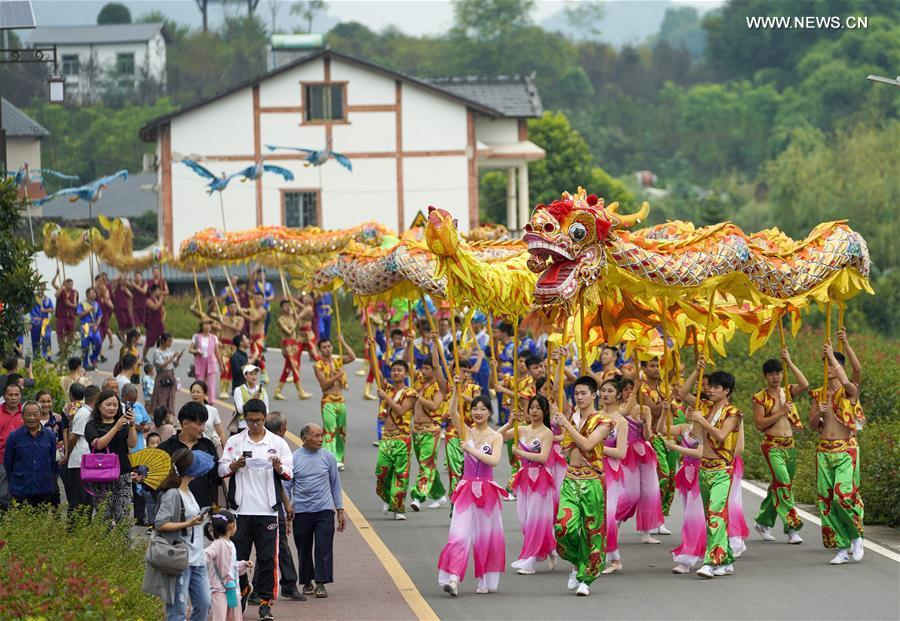 Villagers celebrate upcoming Chinese farmers' harvest festival in SW China's Chongqing