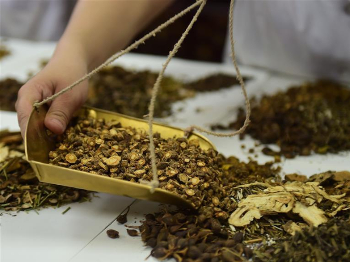 Stronger cooperation between Chinese and Western medicine urged