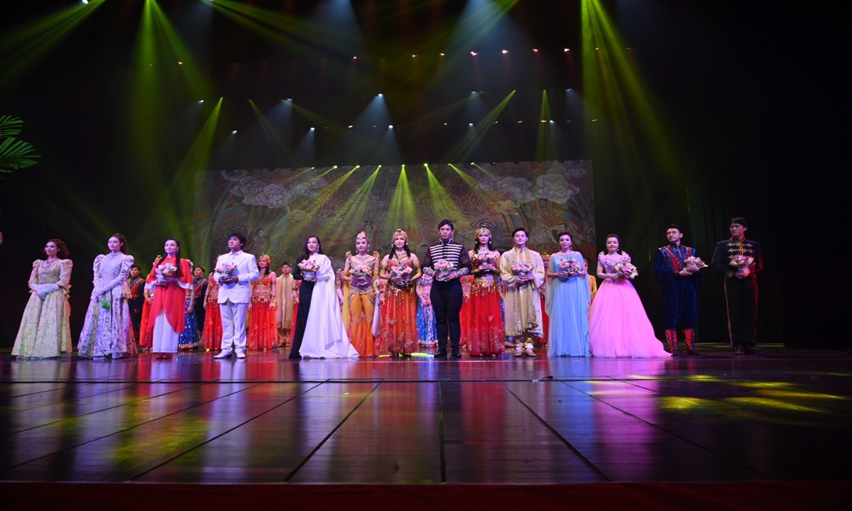 Chinese Farmers' Harvest Festival warms up with classical musical dance gala in Shaanxi