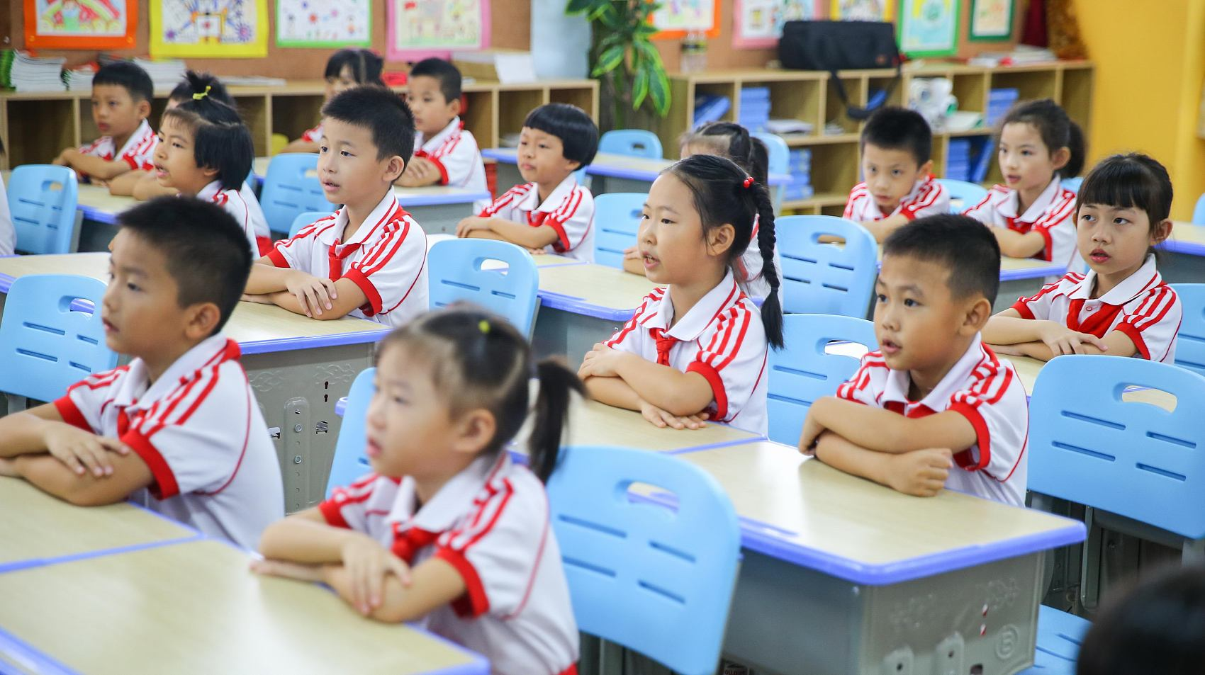Number of dropouts from China's 9-year compulsory education falls to 2,419