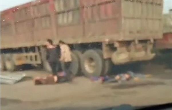 Auto-truck collision kills 4, injures 9 in Henan