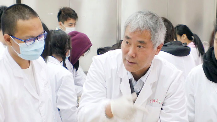 Fight against COVID-19 inspires young Chinese to pursue higher education in medicine