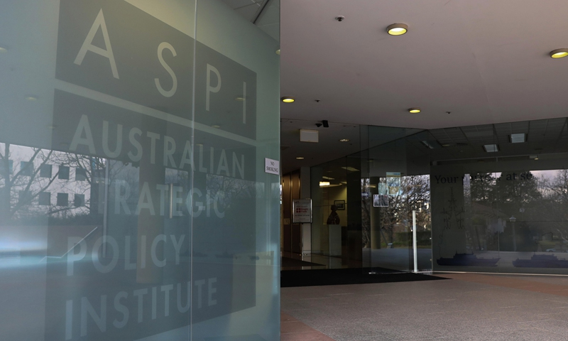 Two anti-China Australian scholars banned from entering China