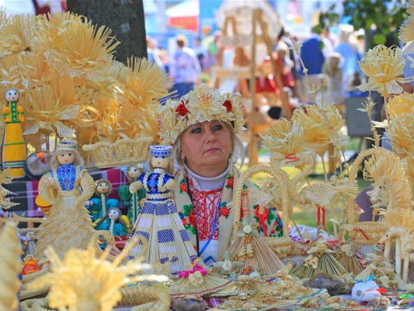 Various agricultural expos held across Belarus to celebrate autumn harvest