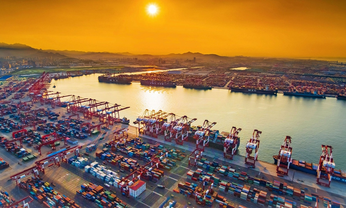 Shandong ports to strengthen control over imported cold-chain food after 2 COVID-19 cases found