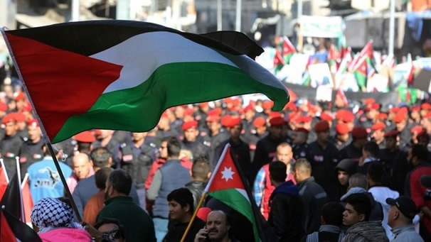 Jordan's king dissolves senate, lower house