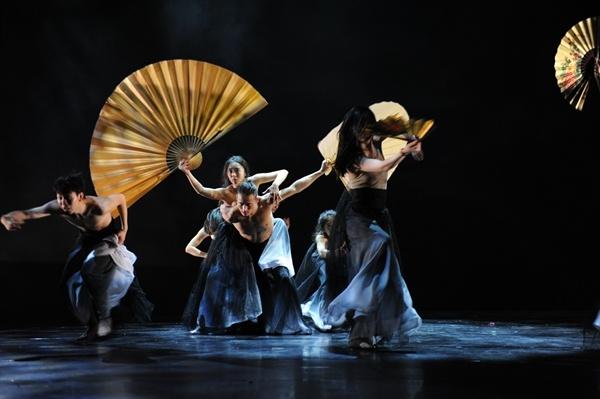 Wuhan celebrates theater reopening