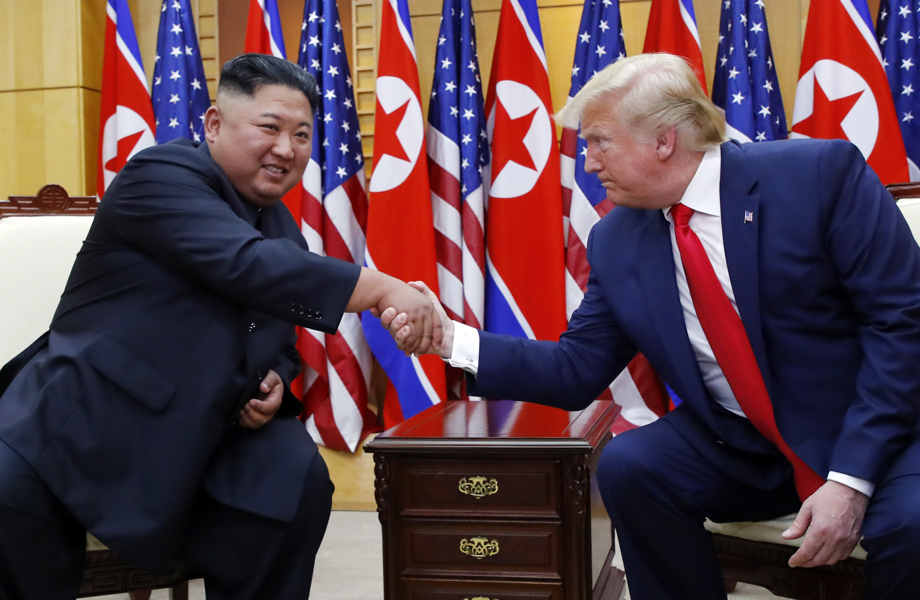 Top DPRK leader wishes US president recovery from COVID-19