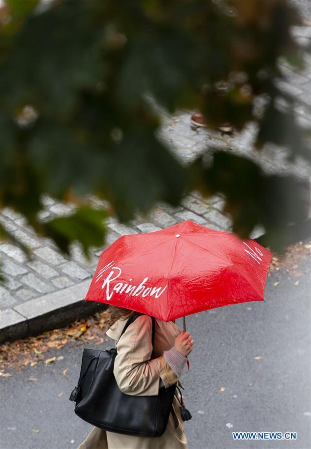 Parts of UK face heavy rain and high winds