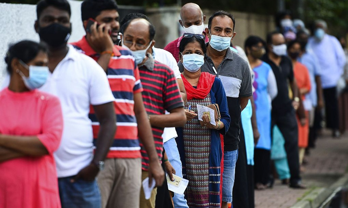 Sri Lanka imposes curfew in outskirts of capital after COVID-19 patient found