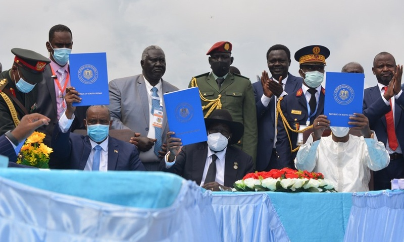 Sudan gov't, opposition groups sign final peace deal