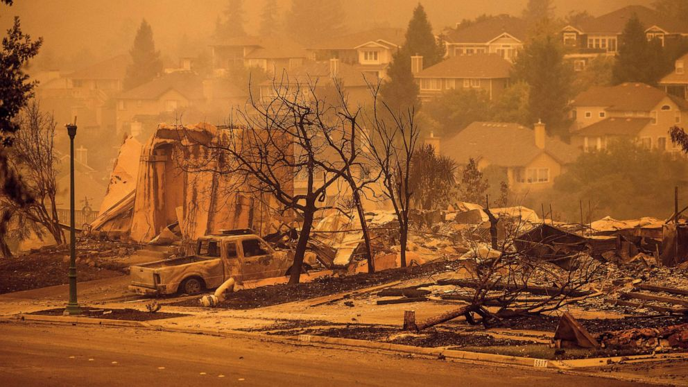 Wildfires in US California burn over 4 mln acres