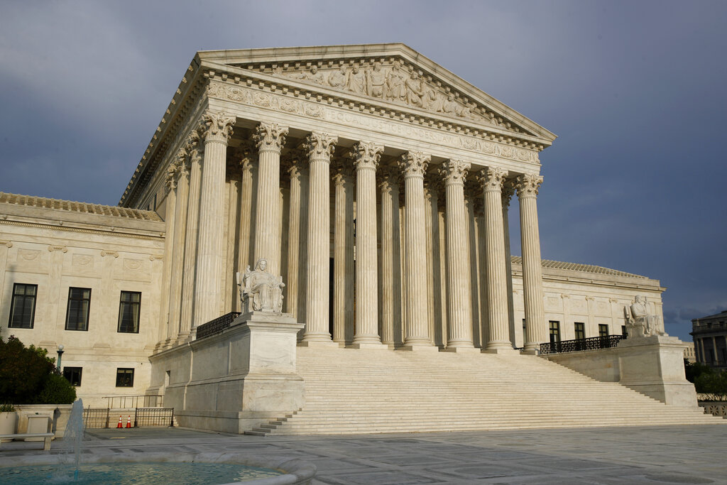 Facing a conservative turn, US Supreme Court opens new term