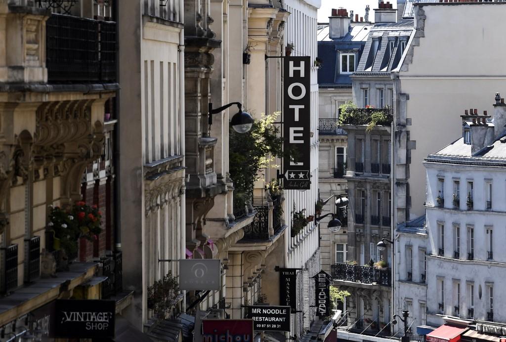 Paris on maximum coronavirus alert