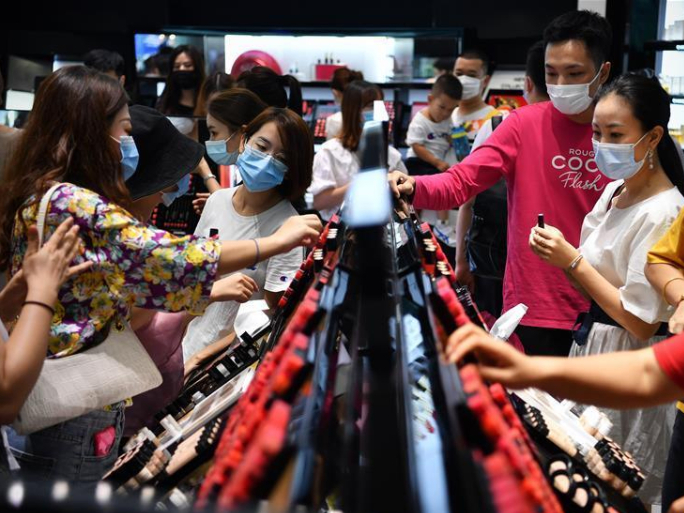Hainan witnesses boom in duty-free sales during National Day holiday