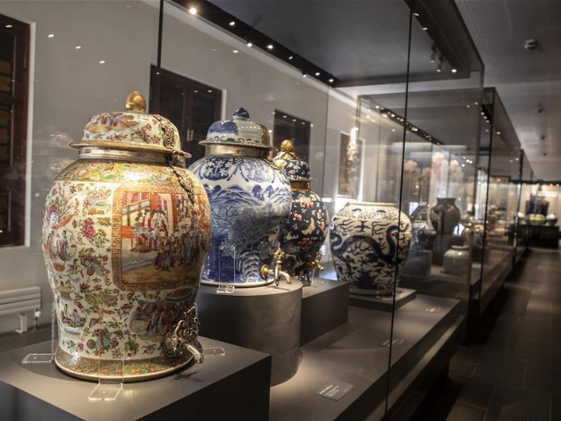 Chinese porcelains used in Ottoman palace on display in Istanbul