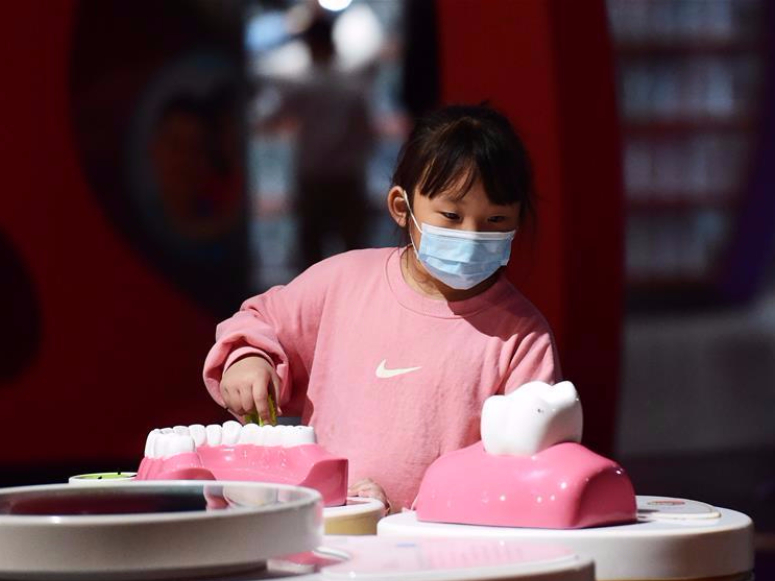 Children spend holiday in museum in Hefei, Anhui