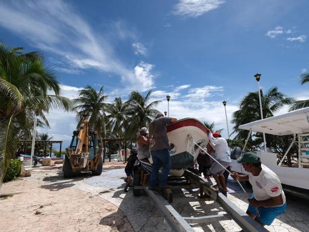 Category 4 hurricane Delta roars toward Mexican Caribbean
