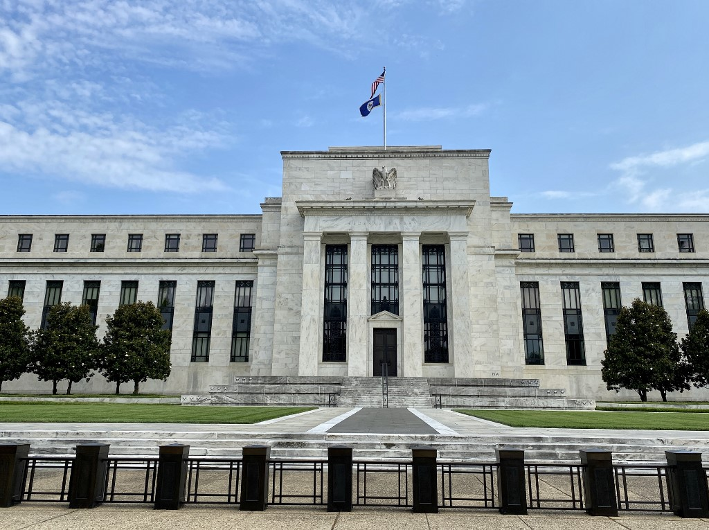 US Fed chief warns of recessionary dynamics amid slower, incomplete recovery