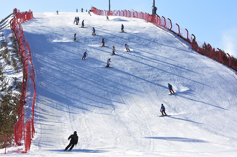 Winter Olympics heat up ice-snow tourism in north China town