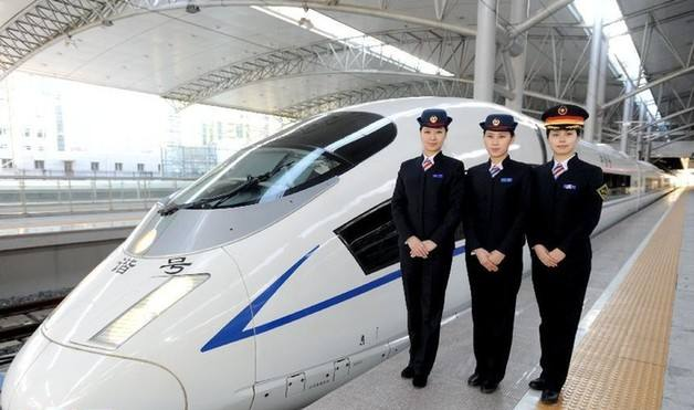 New bullet train sets off in northwest China
