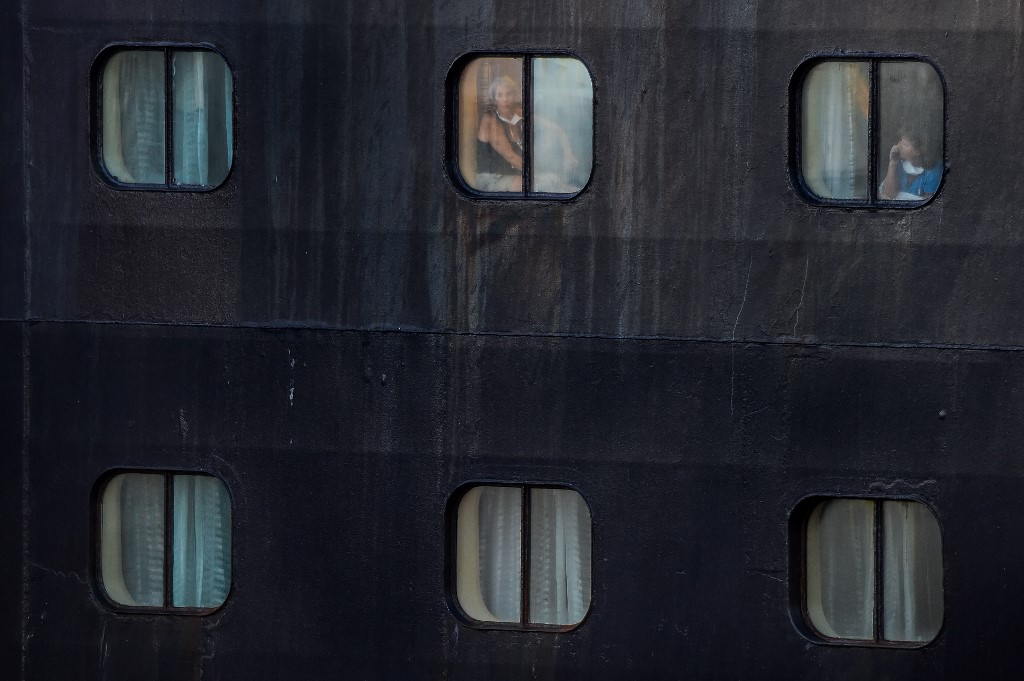 Netherlands imposes 'partial lockdown', mandatory wearing of face masks