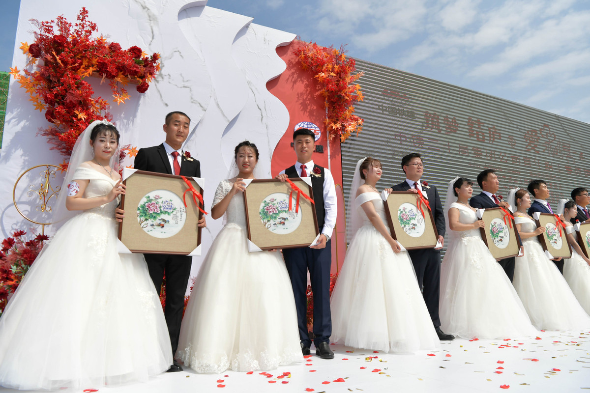 8-day holiday sees surge in wedding ceremonies