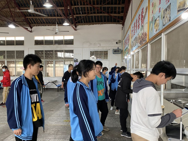 Smart canteen with facial recognition tech built at rural school in Wuhan