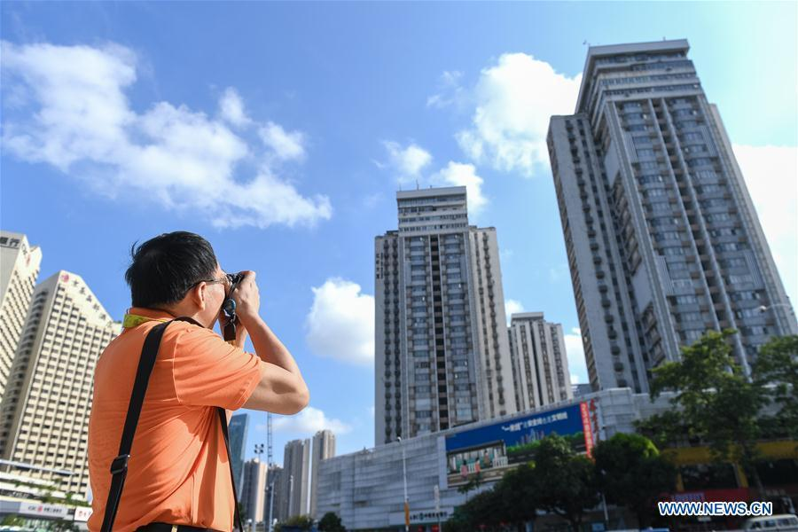 Rapid change of Shenzhen documented by correspondent with photos