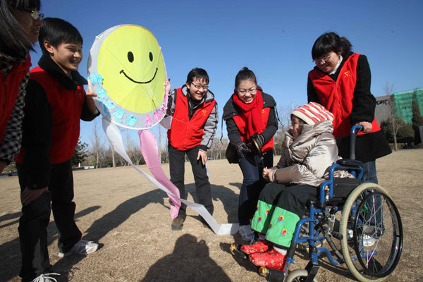 China has 7,169 registered charity organizations, 172 mln volunteers