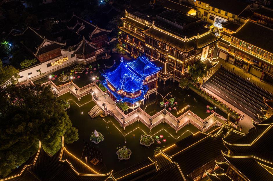Yuyuan Garden Malls hosts first catwalk show