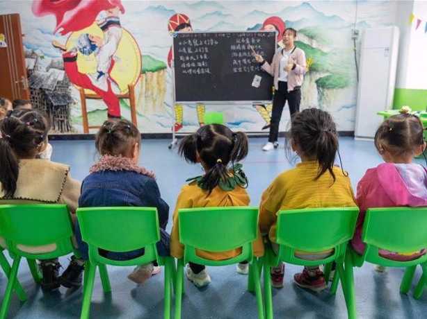 Children with disabilities attend rehabilitation course in Hunan