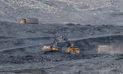 China's coal imports drop 38.3% in September as imports quota is used up