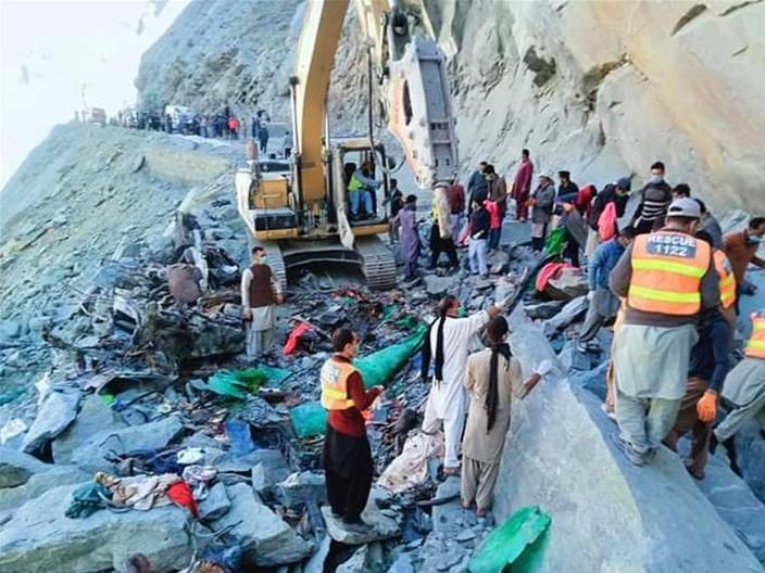 16 killed as land sliding hits passenger bus in north Pakistan
