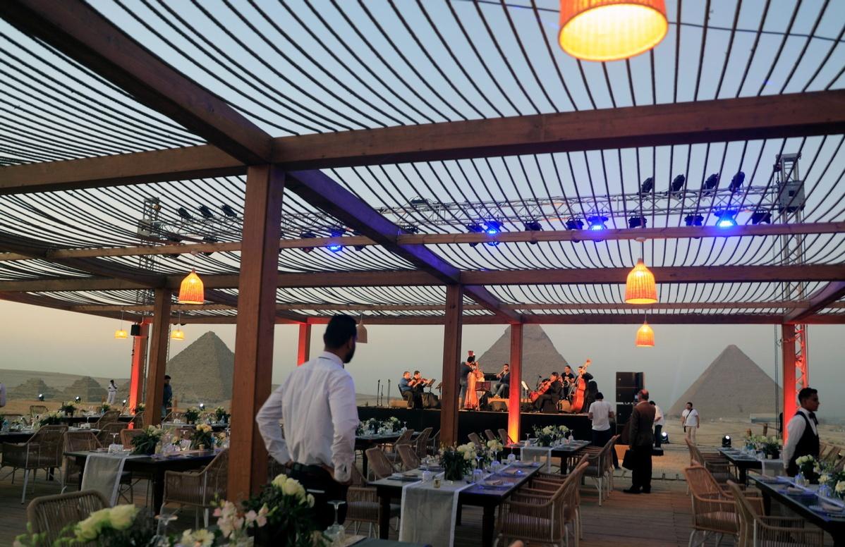 Egypt launches 1st tourist restaurant at Giza pyramids