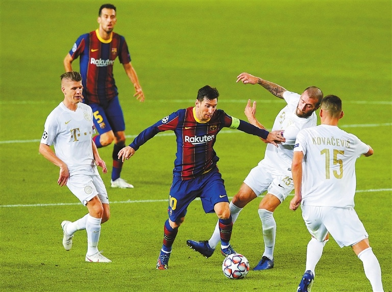 Messi equals record in Barca win