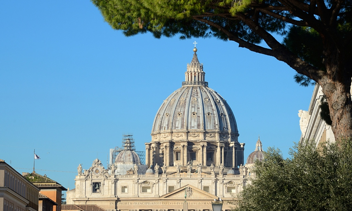 China, Vatican extend bishops appointment agreement by two years