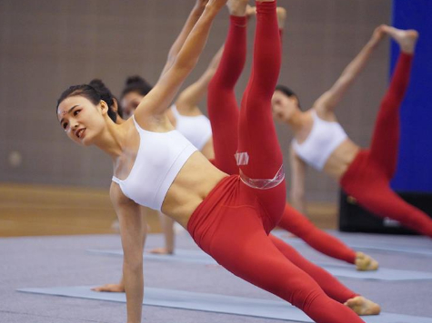 Highlights of yoga competition at 6th Jiangxi province national fitness game