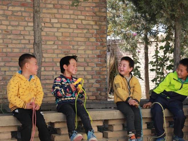 Village teacher dedicated to work for over 30 years in northwest China