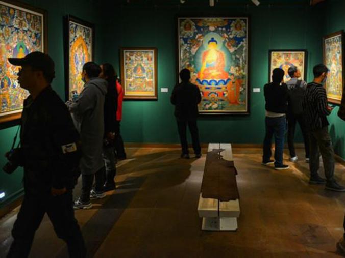 Thangka exhibition debuts in Tibet