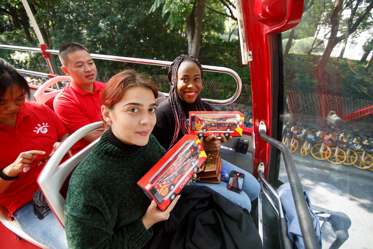 Tour bus operator celebrates 10th anniversary