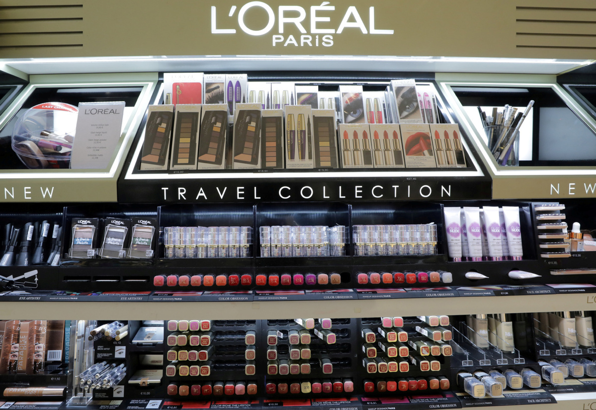 L'Oreal, Kering boosted by pick-up in Chinese demand