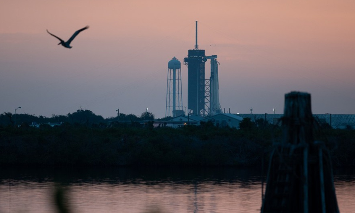 NASA, SpaceX target Nov. 14 for historic manned mission to space station